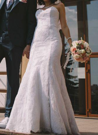 Свадебное платье белое, фасон рыбка с дополнительной пышной юбкой