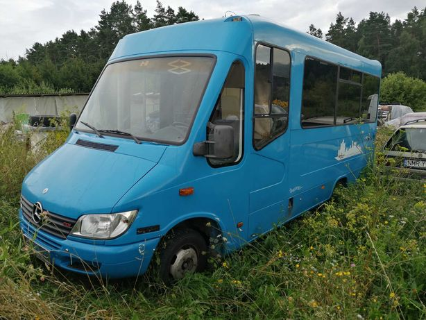 Autobus Mercedes Sprinter 26+8