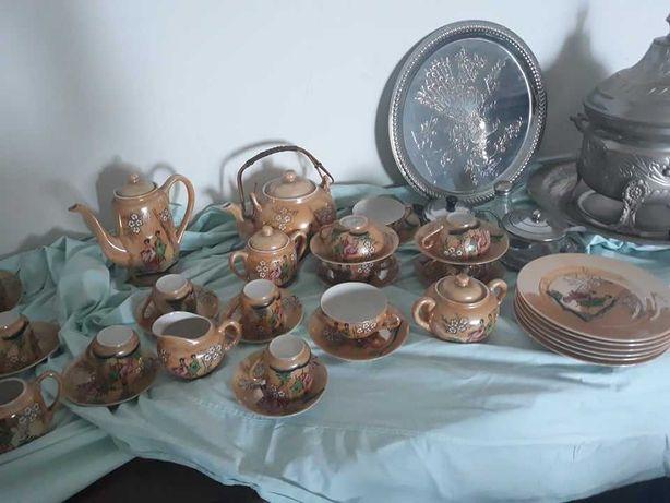 Serviço de chá e café em louça oriental