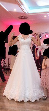 Suknia ślubna piekna koronkowa