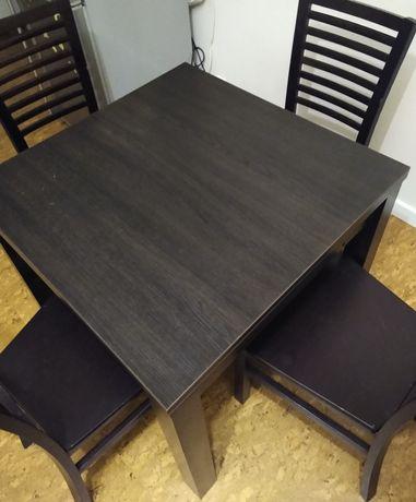 Stół rozkładany z krzesłami (drewniany)