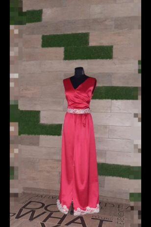 Платья в пол красное