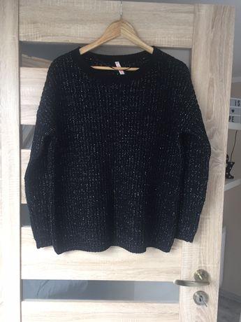 Czarny sweter ze srebrną nitką 42
