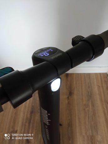 Hulajnoga elektryczna Segway-Ninebot ES1