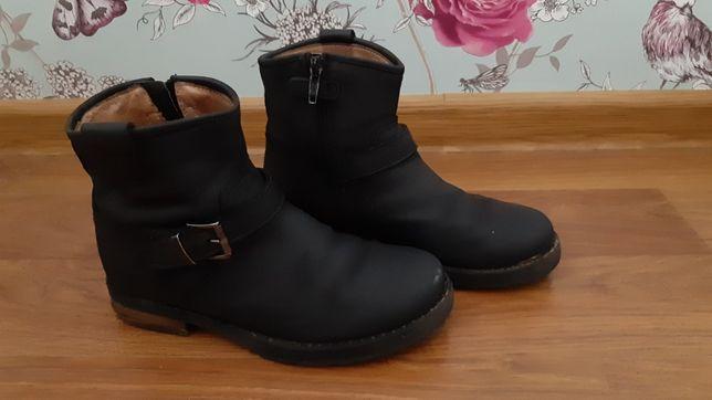 Симпатичные кожанные ботиночки 31р.