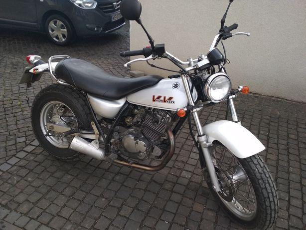 Suzuki RW 200 van van