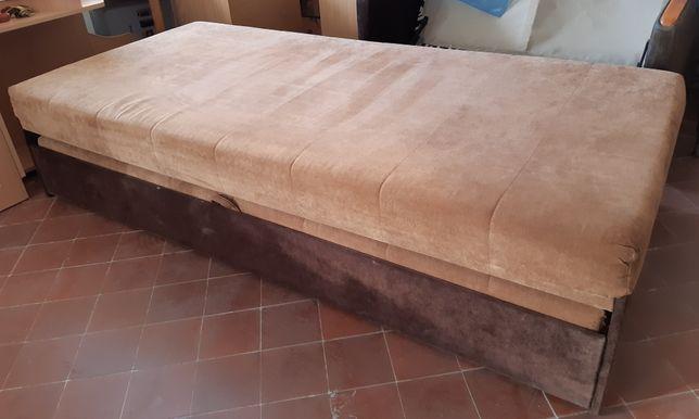 Łóżko pojedyńcze lub podwójne