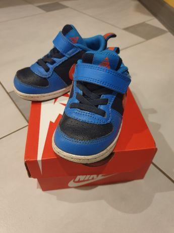 Sprzedam buty Nike r 22