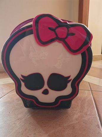 Mala Monster High