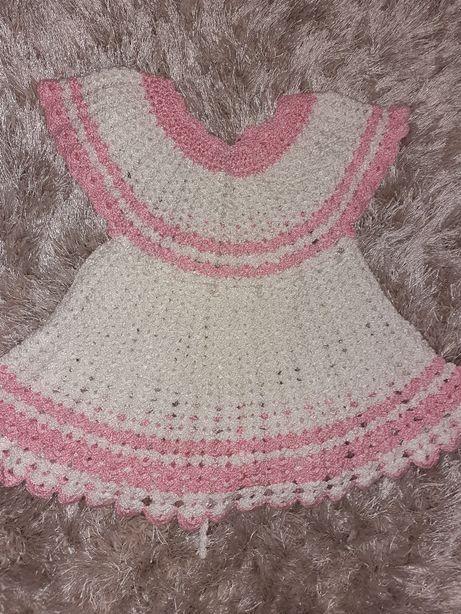 Sukienka ręcznie robiona na szydełku rozm.74 i 86