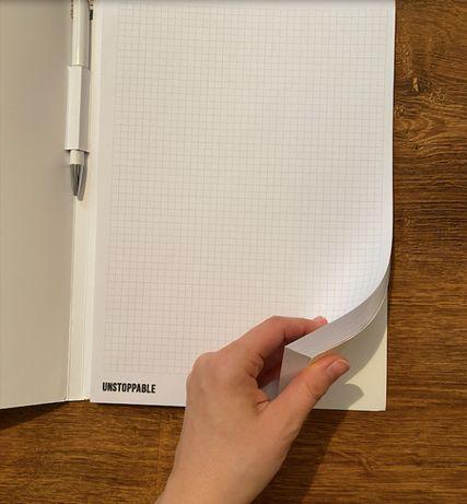 Notatnik A4 w kratkę z długopisem okładka motywacyjna