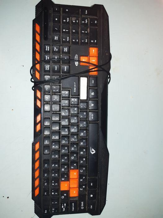 Игровую клавиатуру Купянск - изображение 1