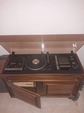 Gramofon w szafce magnetofon Radio głośniki