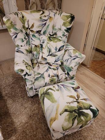 Fotel i podnóżek