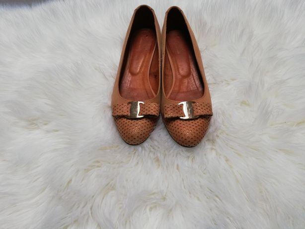 Buty baleriny skórzane, eleganckie, karmelowy kolor rozm. 38