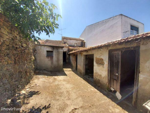 Moradia, 66 m², Castanheira do Ribatejo e Cachoeiras