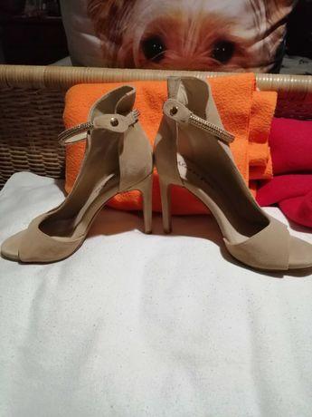 Sapatos de cerimónia de senhora
