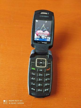 Мобильный телефон б/у SAMSUNG Verizon стандарта CDMA.