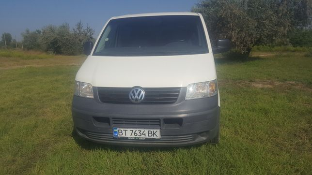 Продам Volkswagen transporter t5.