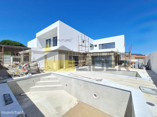 Terraços da Rinchoa Moradia T4 com piscina em Rio de Mour...