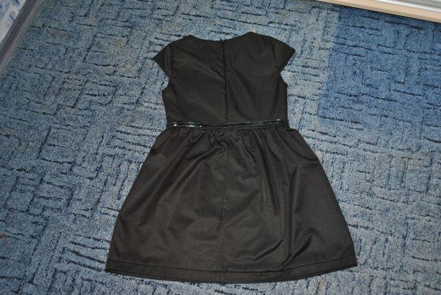 Продам школьное платье 140см