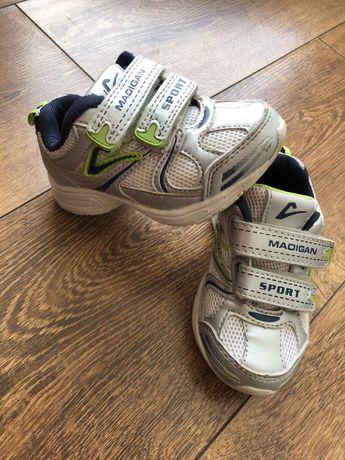 Кроссівки, взуття для хлопчика