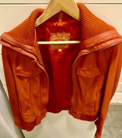 Женская куртка, кожаная, б/у, фирма Stradivarius, M размер