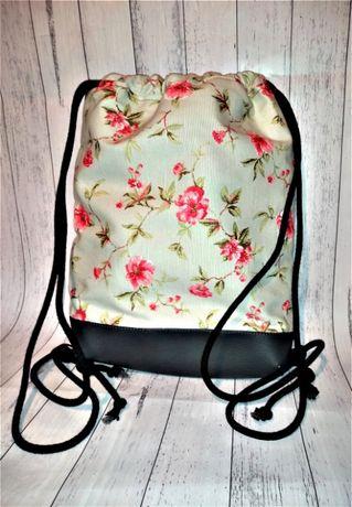 Plecak damski młodzieżowy typu worek