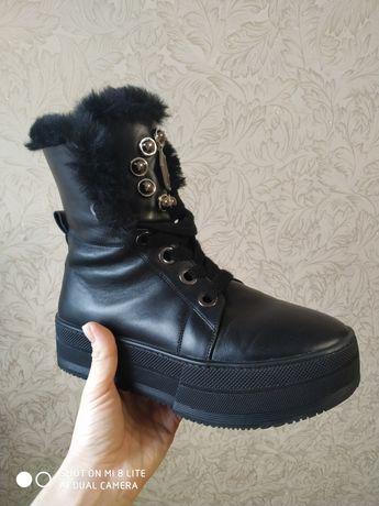 Продам зимние  кожаные ботинки