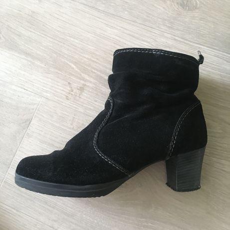 Ботинки натур замш 39 чёрные