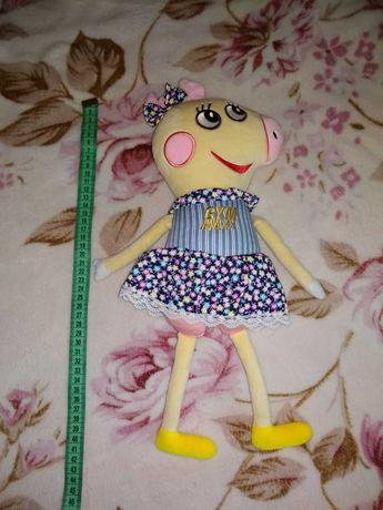 Продаётся мягкая игрушка свинка Пепа