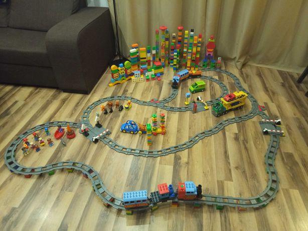 Lego duplo 663 elementy, 2 pociągi na baterie, tory