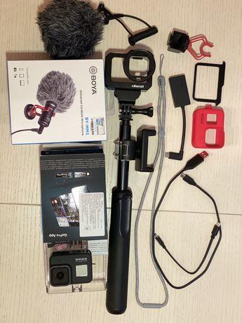 Камера GoPro 8 (с полным комплектом аксессуаров)
