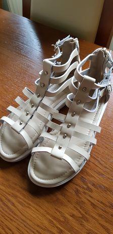 Sandały dla dziewczynki rozm.35