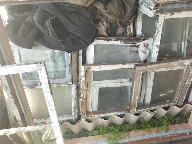 Окна деревянные. Створки окон.