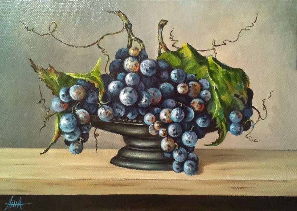 "Картина маслом, натюрморт ""Чаша с синим виноградом"" 35\25"