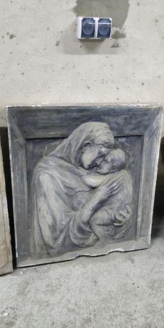 Dwa obrazy gipsowe Maryji z Dzieciątkiem