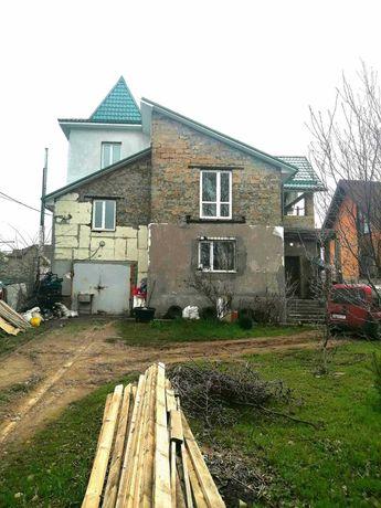 Продам новый 3-х эт. дом в с. Перемога.