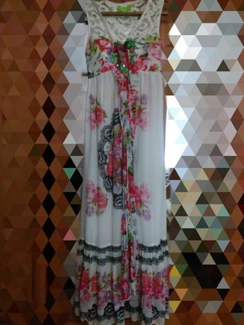 Продам мега красиві і зручні сукні.
