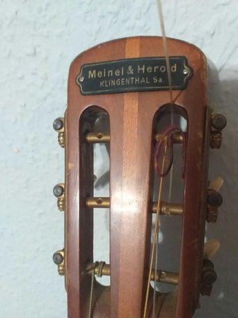 60 letnia gitara klasyczna