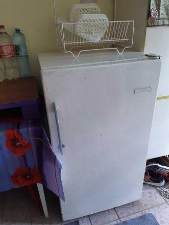Холодильник, б/у,300 гривен.