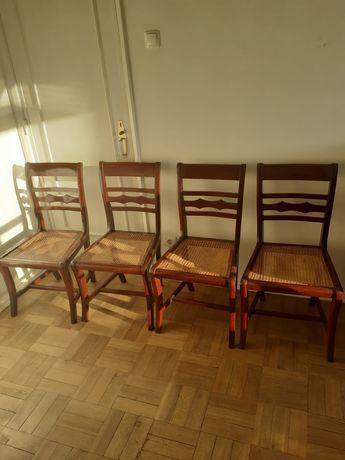 Descida de preço: Lote de 4 cadeiras estilo clássico