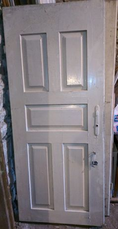 Stare drzwi wejściowe, antyk. Lata 30