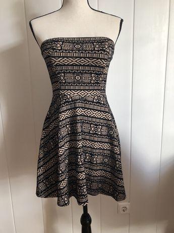Vestido curto Forever21