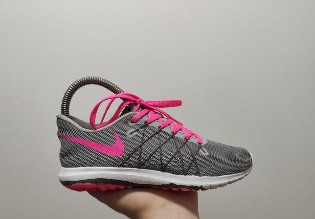 Фирменные кроссовки Nike Fury 2
