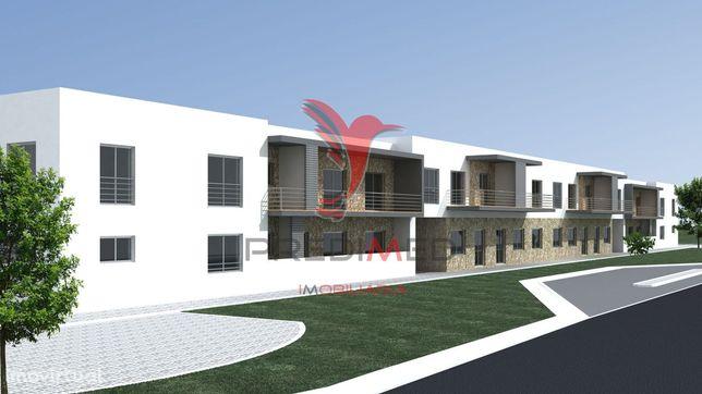 Terreno para (PRÉDIO)  4 apartamentos T3 + 4 apartamentos T2