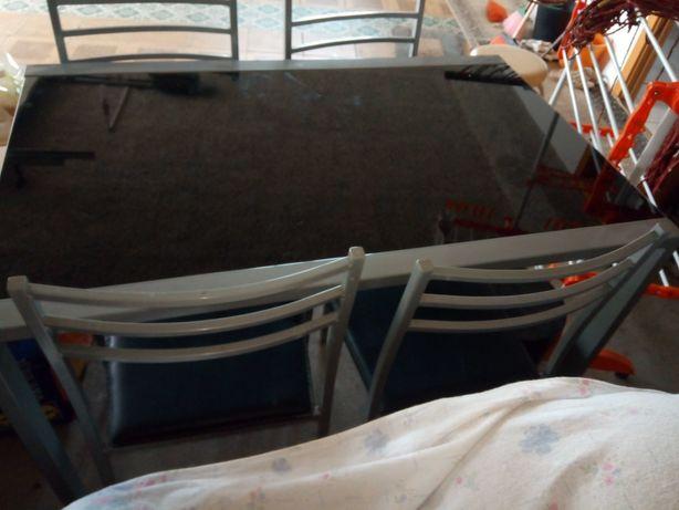 Mesa vidro com cadeiras