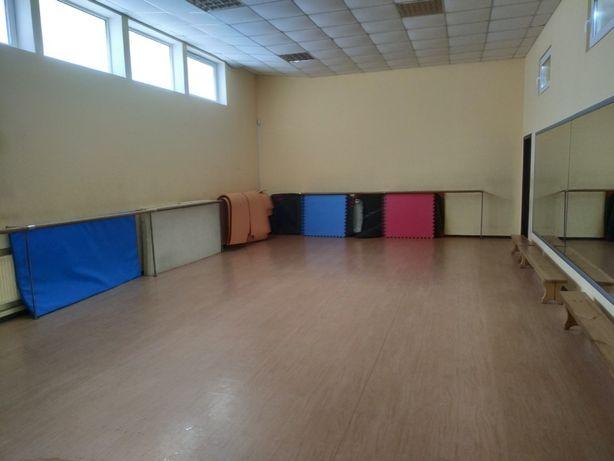 Спортзал для йоги, танцев, спортивных занятий