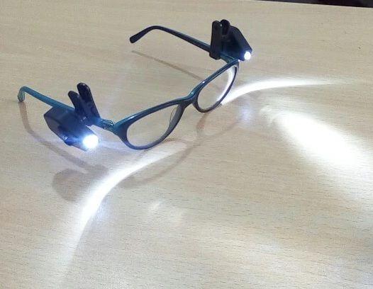 NOWE klipsy z LED do okularów światło światełko czytanie książek gazet Zamość - image 1