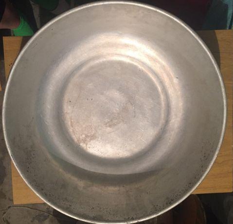 Продам тазы СССР (алюминиевый и эмалированный)